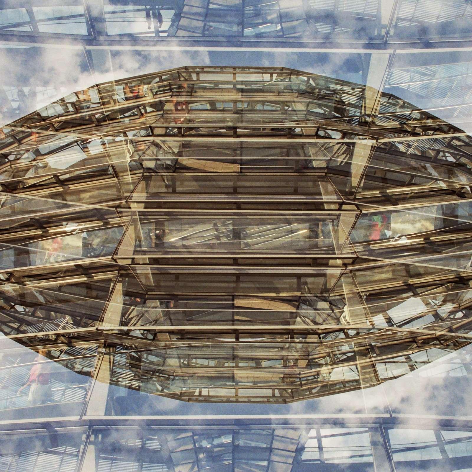 Mehrfachbelichtung der Reichstagskuppel in Berlin