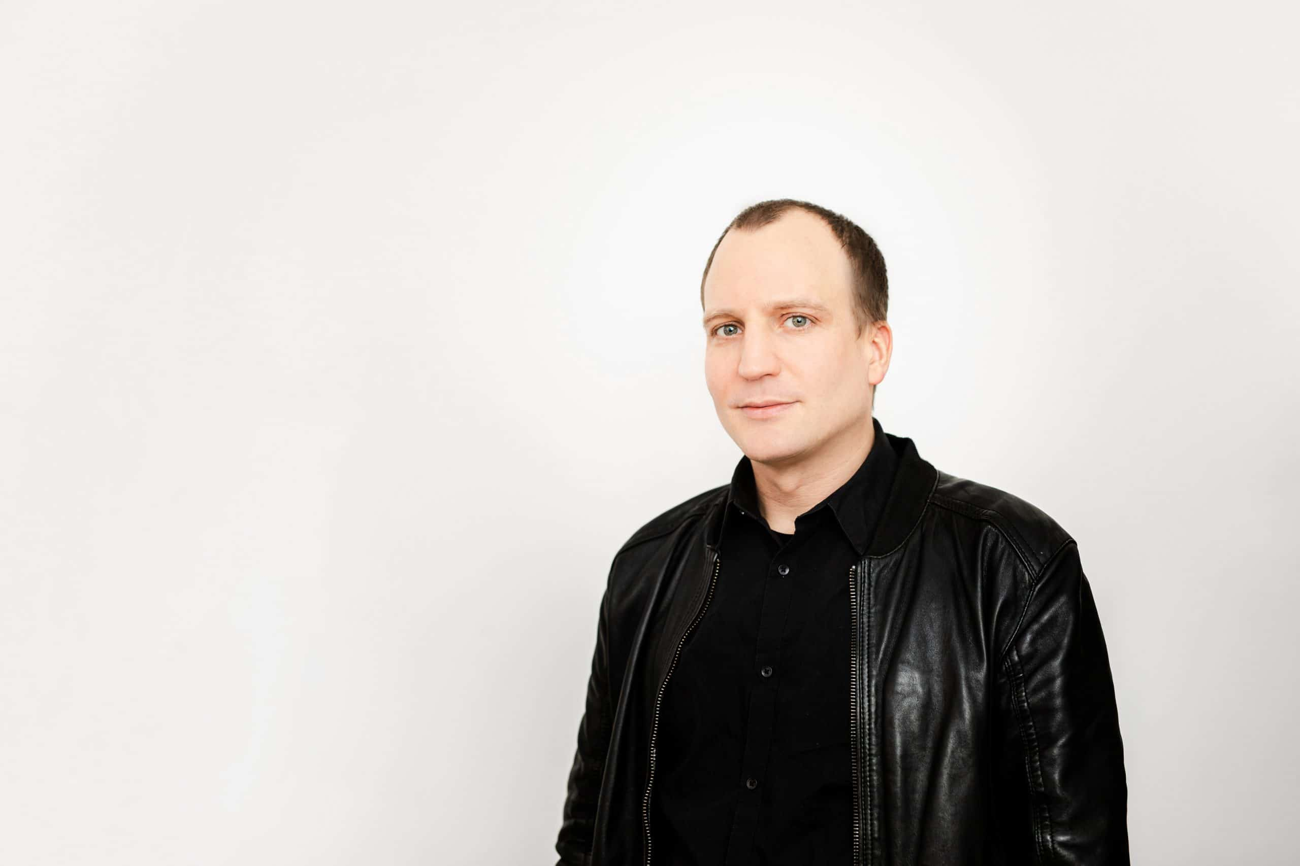 Portrait von Fotograf William Veder | Eventfotografie in Berlin